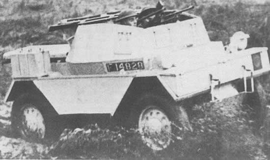 Daimler Scout Car MK I with sliding roof