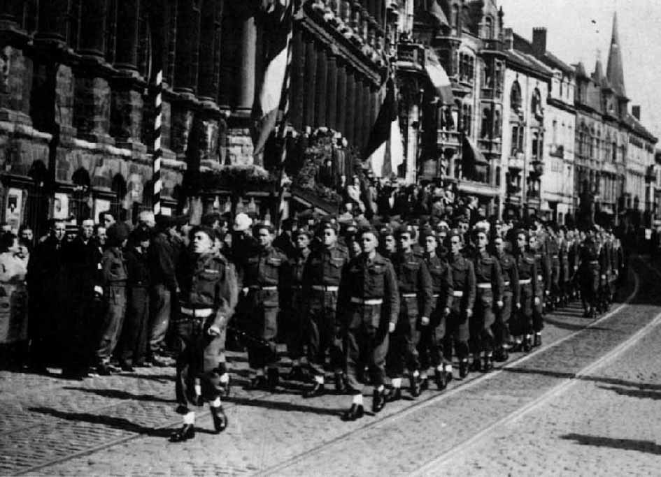 1/5th Queens Regiment Parading through Ghent